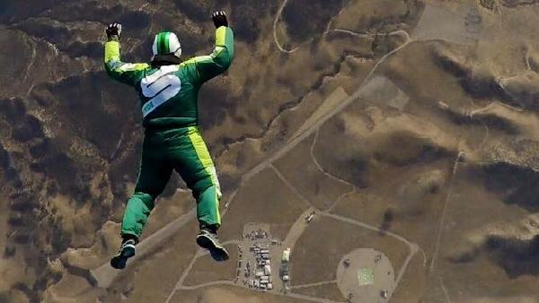 Le plus haut saut sans parachute. 2016