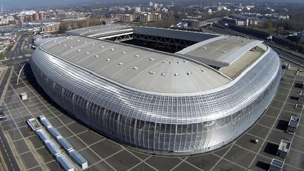 Un stade modulable unique au monde. France. 2012