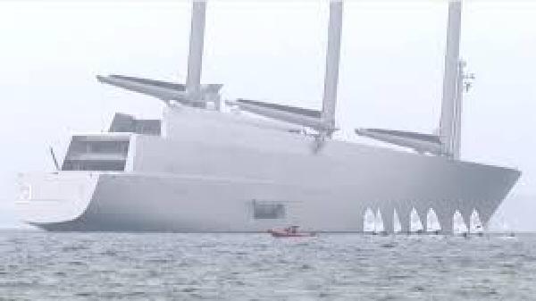 sailing yacht a le plus grand voilier du monde records. Black Bedroom Furniture Sets. Home Design Ideas